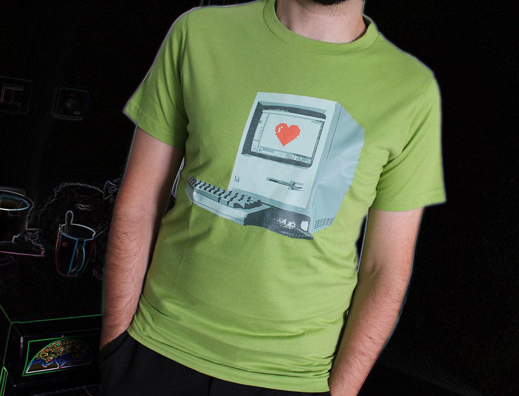 G3D-AppleFanboy-tshirt